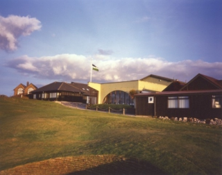le clubhouse du Royal Porthcawl Golf Club 2000 Coach House Studio
