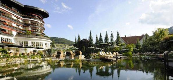 H tel de luxe foret noire for Hotel design foret noire