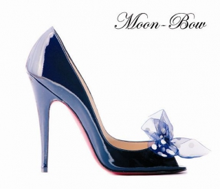 Louboutin Moon Bow